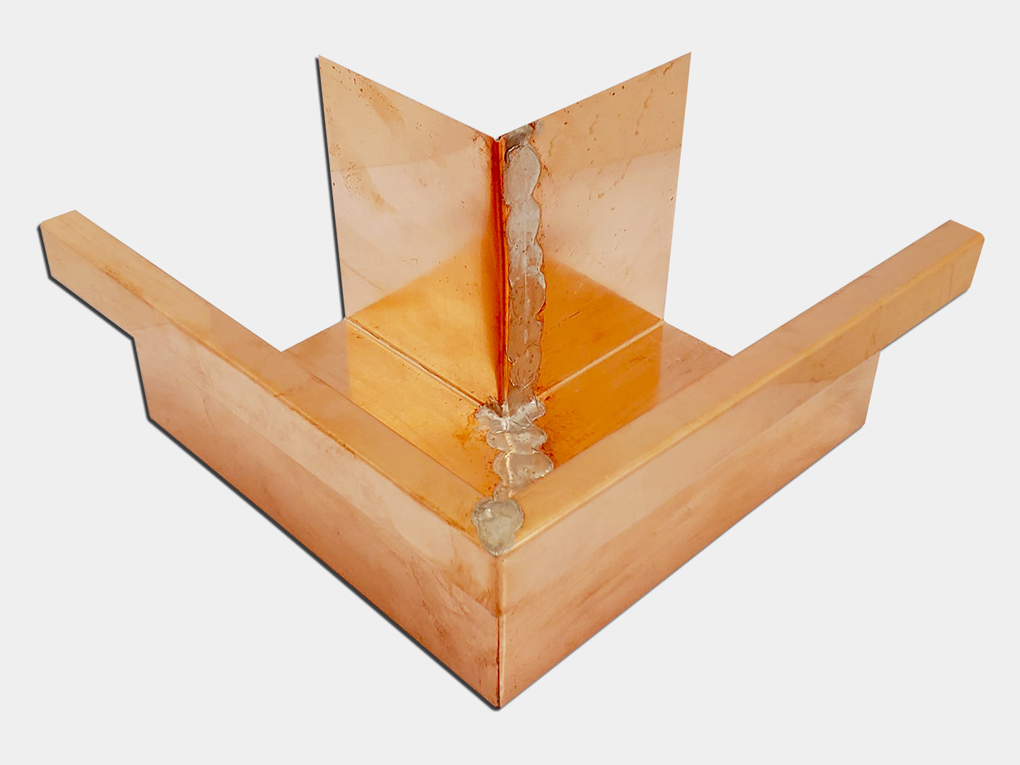Commercial copper box gutter miter