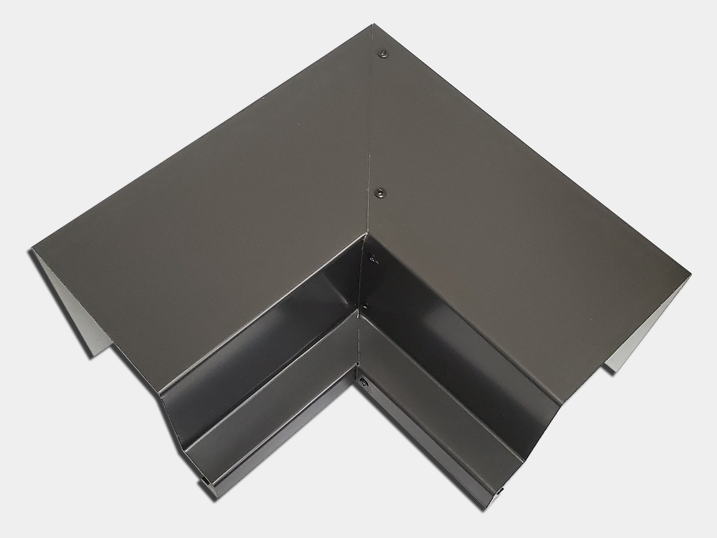 Commercial box gutter outside miter - bronze steel